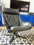Authentic & Rare Model Falcon Armchair in grey aniline leather