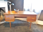 Danish desk in Oak - fully restored condition