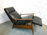 Recliner armchair in new leather