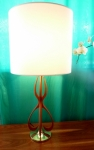 SCULPTURAL TABLE LAMP IN ELM WOOD